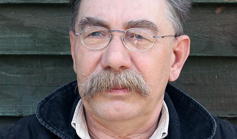 pan Jacek, jeden z trzech założycieli stajni Agmaja