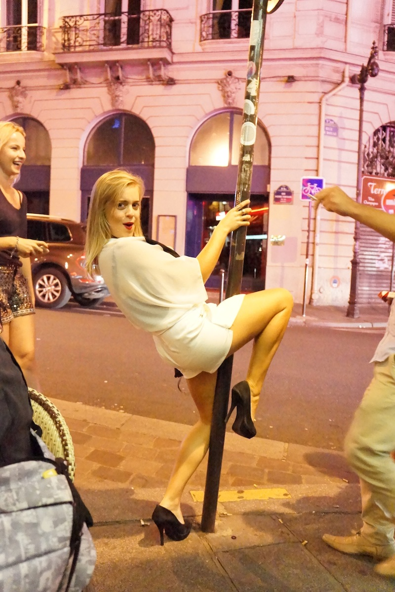 Mieliśmy nawet prywatny pokaz tańca na znaku drogowym w wykonaniu pewnej Australijki ;)