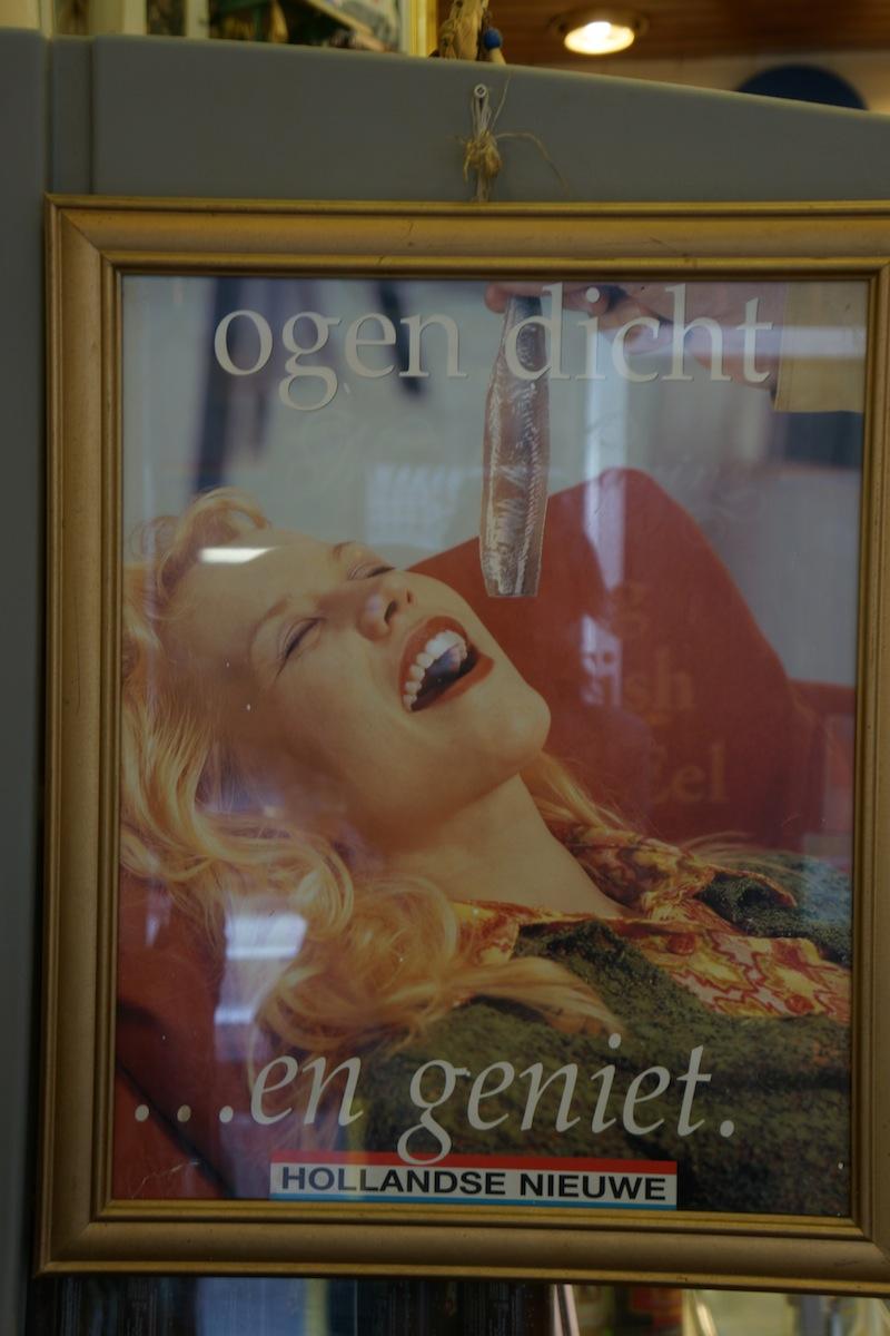 Reklama słynnych holenderskich śledzi.