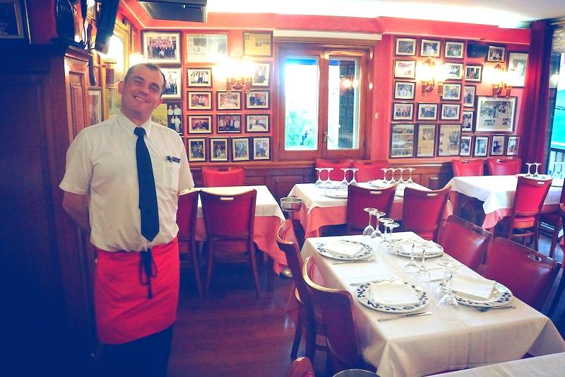 Przez tego uroczego kelnera zostałyśmy z Fash w Salamance o 5 godzin dłużej niż planowałysmy.