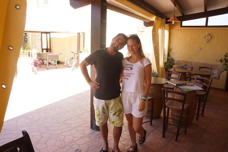 Pierwszym przystankiem jest Marsala, do której jedziemy z Don Pedro wynajętym na lotnisku samochodem. Tam w pensjonacie Villa Mozia przyjmuje nas Peppe, przyjaciel mojego przyjaciela Włocha.