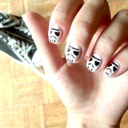 Szturmowcy na paznokciach