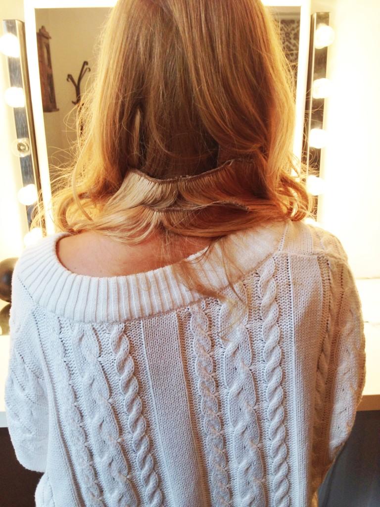 Znowu dżołk. Nigdy bym sobie nie dała przedłużyć włosów. To obrzydliwe! :)