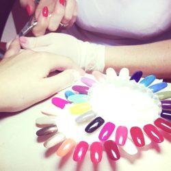 Jak się oduczyć obgryzania paznokci